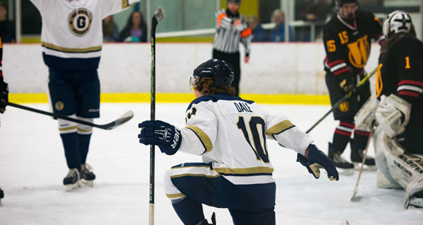 Generals Clinch Playoff Berth with 7-1 Victory